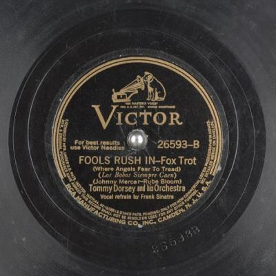 Fools Rush In – Tommy Dorsey Orchestra w/Frank Sinatra